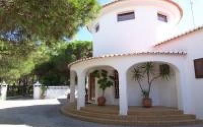 1603 -  Porches großen Anwesen